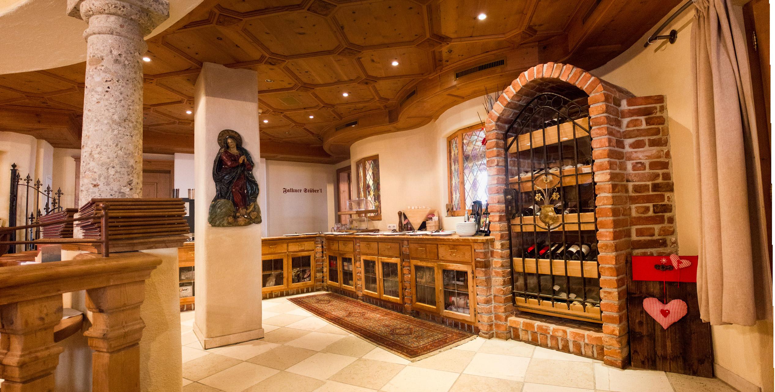 Wein Theke im Restaurant Ischgl